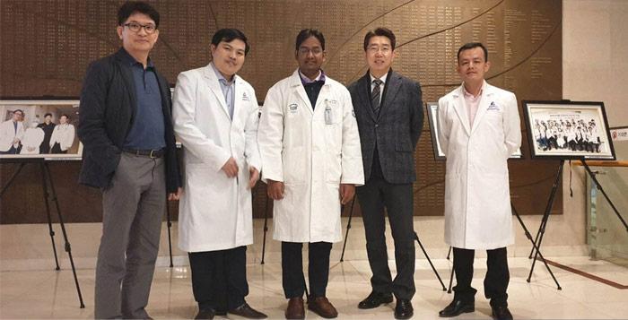 Bác sĩ Phùng Mạnh Cường tại hội thảo PTTM Hàn Quốc
